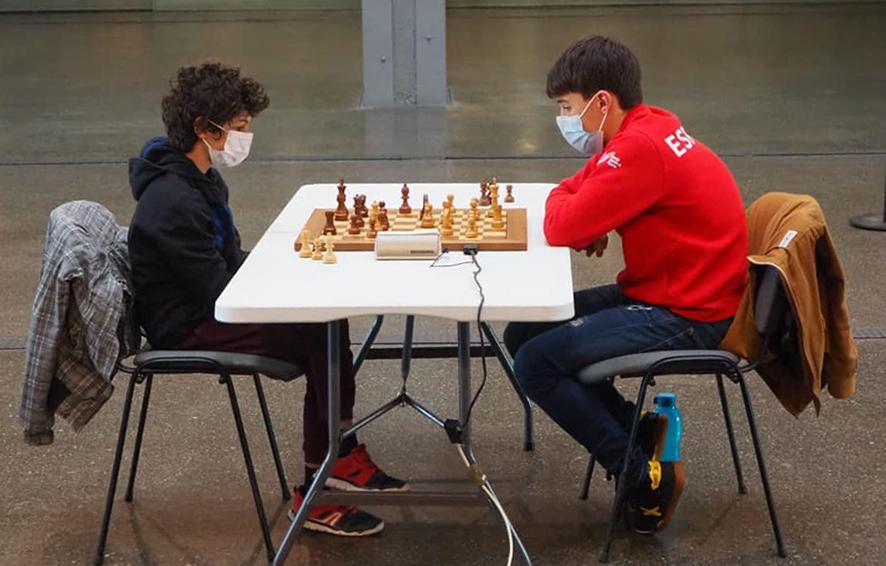En la foto de la FMA está Jaime con Hugo Bonilla en su partida de la semifinal